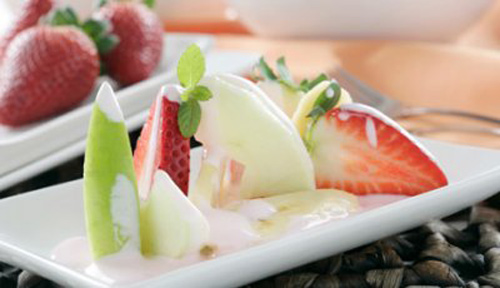 Ensalada de frutas con crema de fresas - Masiá Ciscar