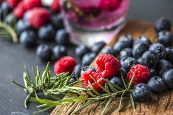 Incluye postres de Navidad con berries en tus últimas comidas y cenas de 2019 - Masiá Ciscar