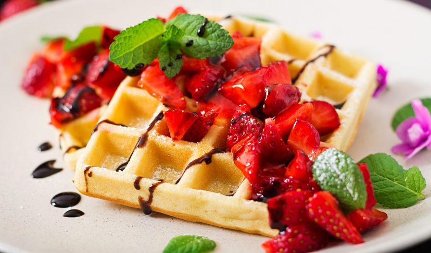 Gofres belgas con berries - Masiá Ciscar